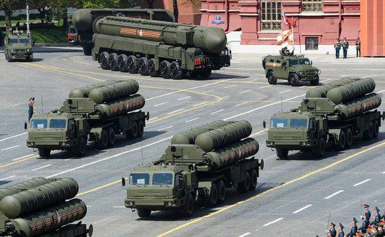 tên lửa đất đối không S-400 của Nga
