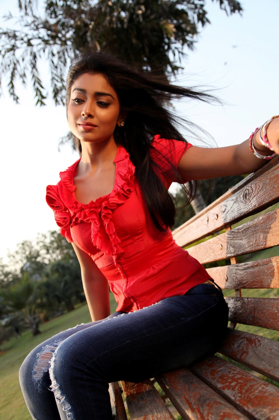beloved and splendid Shriya saran hd pics