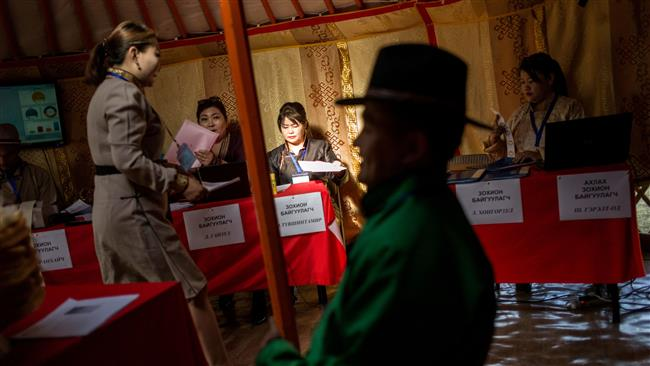 Mongolians vote in first presidential runoff