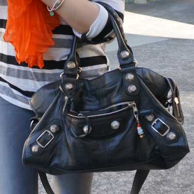 black 2010 giant hardware part time bag worn on arm with juicy couture gnome charm | away from the blue