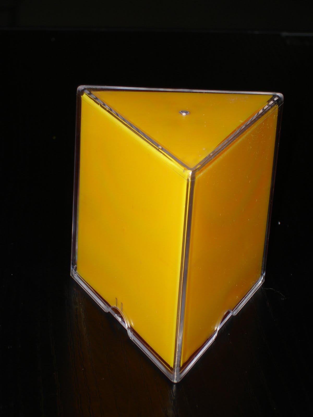 Geometra desde un blog PRISMA TRIANGULAR