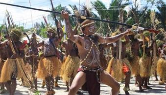 perang1 - Jenis Jenis Tarian Adat Papua