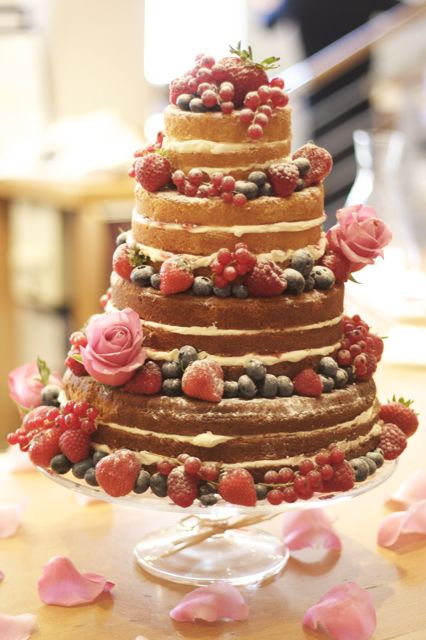 rustic wedding cake no frosting vintage and cake sponge wedding cake 19545