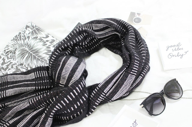 eleven everything review, eleven everything reviews, eleven everything scarf, eleven everything brand, eleven everything london, eleven everything dan midnight luxe scarf, cashmere scarf london