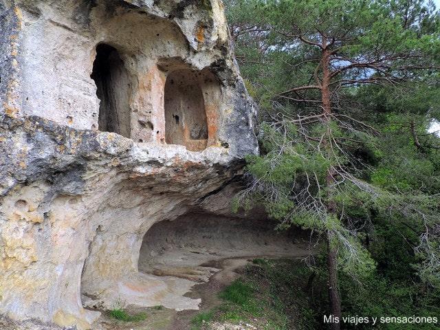 Cueva eremítica de Santiago, Pinedo, Valdegovía, Álava