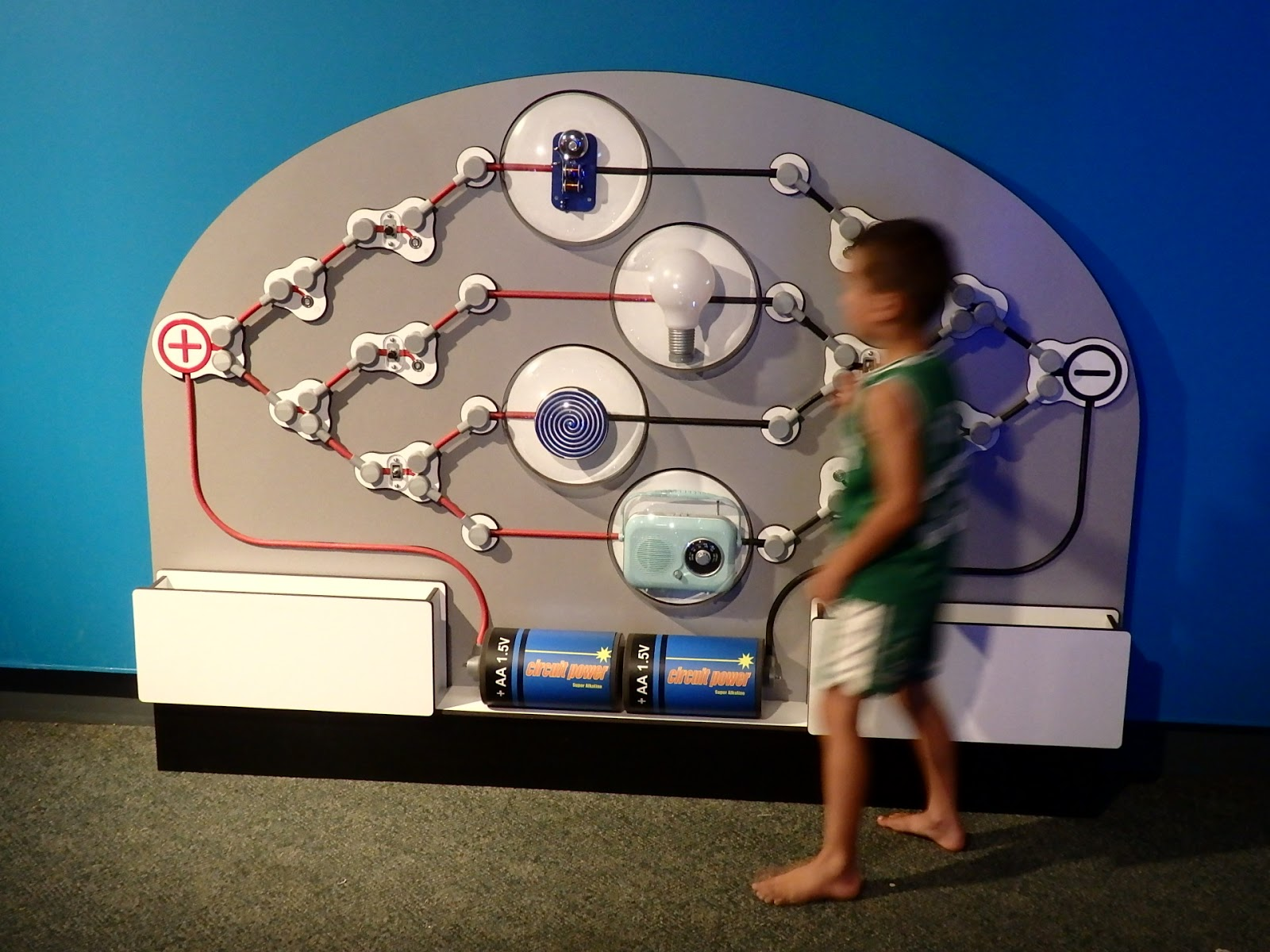 Explore Electric Circuits At Waikato Museum Doug Makinson Electriccircuits
