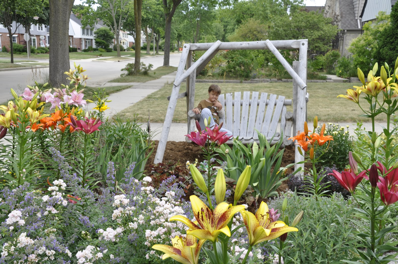 Making a Grassless Front Yard on Grassless Garden Ideas id=43258
