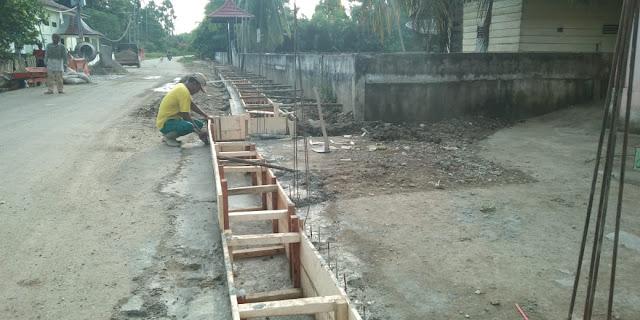 Kades Mandi Angin Geram dengan Pembangunan Drainase