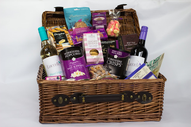 A side view of the hamper and it's contents as listed in the post