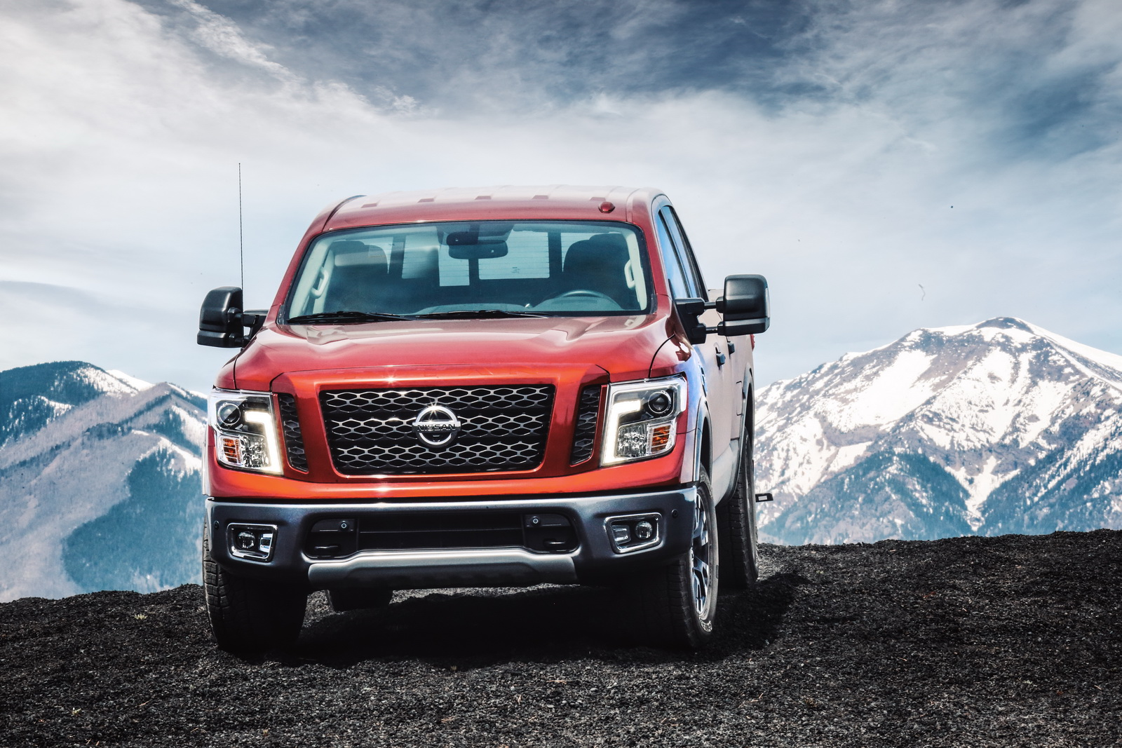 nissan titan to be offered with a v6 engine will debut in the frontier first carscoops. Black Bedroom Furniture Sets. Home Design Ideas