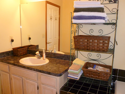 http://joyfulhomemaking.com/2011/12/bathroom-cleaning-tips.html