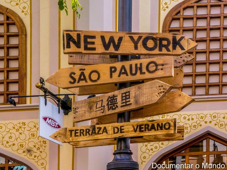 Las Rozas Village; turismo de compras de luxo; turismo de compras de luxo em Madrid; Outlet Madrid
