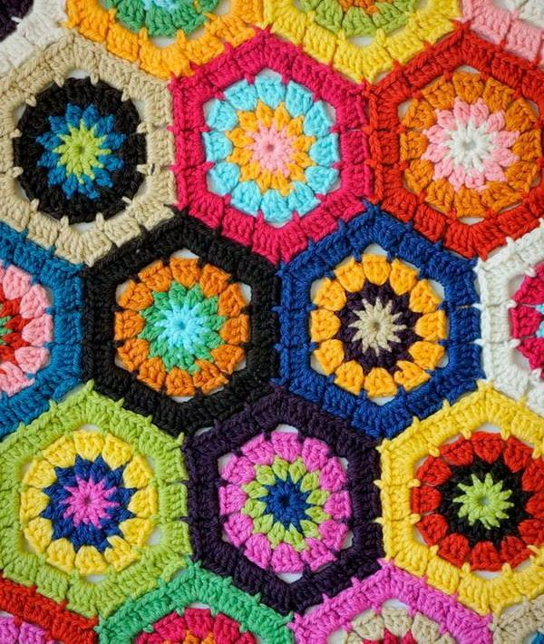 Crochet throw blanket, Hexagon motif, Circle or flower inside hexagon