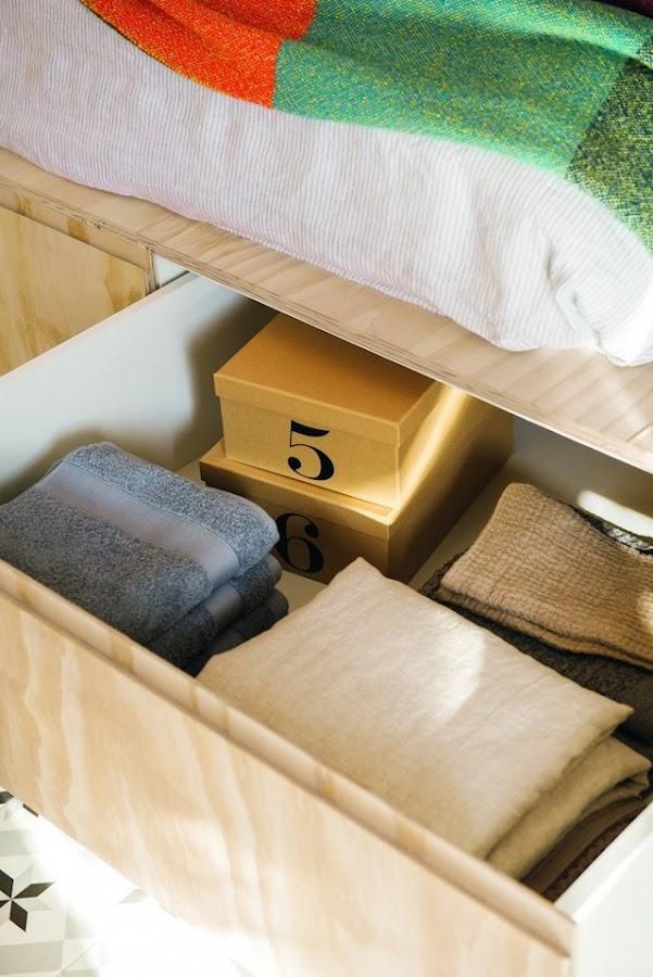 Base de cama con cajones con capacidad para guardar