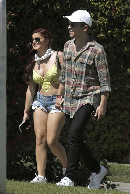 Ariel Winter in Jeans Shorts – Leaving a Hotel at Coachella in Indio