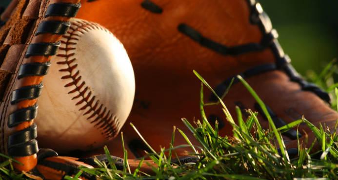 Fuerte golpe al deporte boricua tras paso de huracanes, pero se jugará béisbol