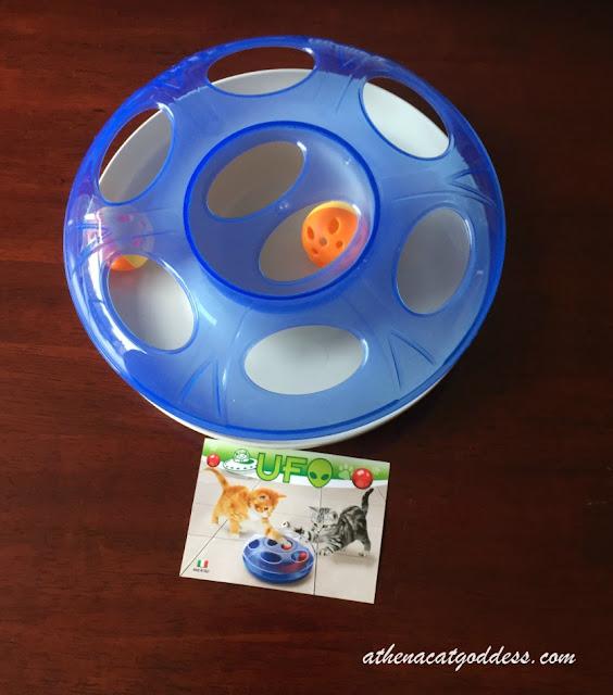 UFO cat toy