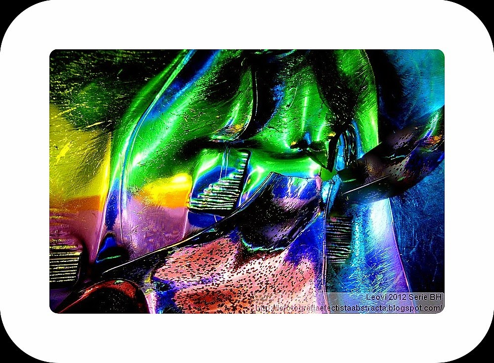 Foto Abstracta 3050   Tecnología Exhumada - Exhumed Technology