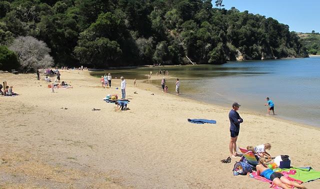 Praia Heart's Desire Beach com as crianças em San Francisco
