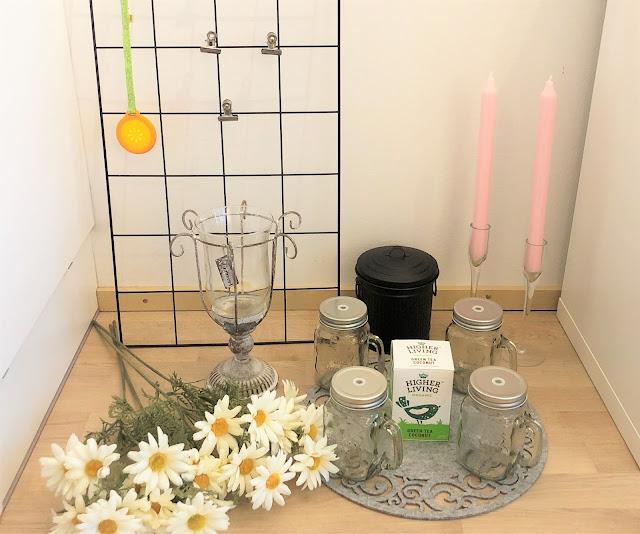 ostokset finnmari kärkkäinen kynttilät seinäritilä päivänkakkarat tekokukat huopatabletti tee higher liging metallitynnyri lasit