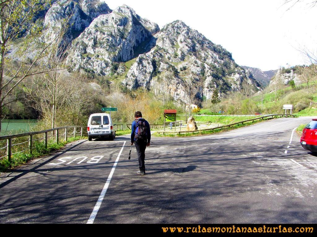 Ruta al Pico Gorrión: Embalse de Valdemurio