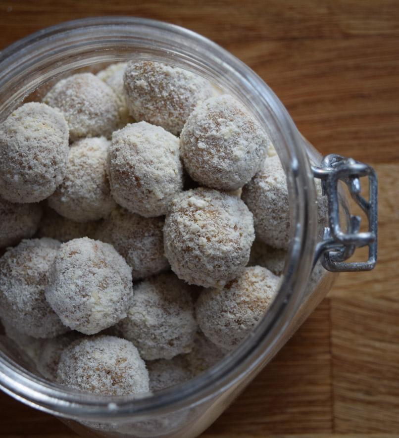 Energieballen op basis van medjoel dadels en cashewnoten