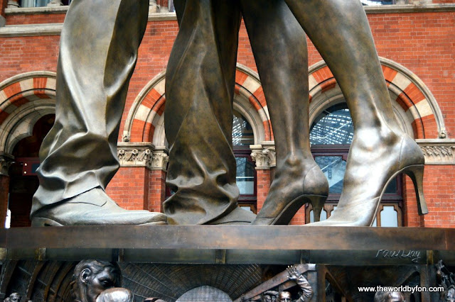 St Pancras Station - Estátua despedida do casal