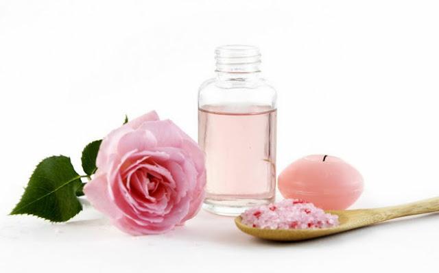 Agua de rosa Bulgaria