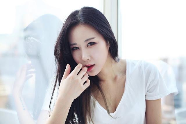 2 Lee Yoon Hee - Pictorial - very cute asian girl-girlcute4u.blogspot.com