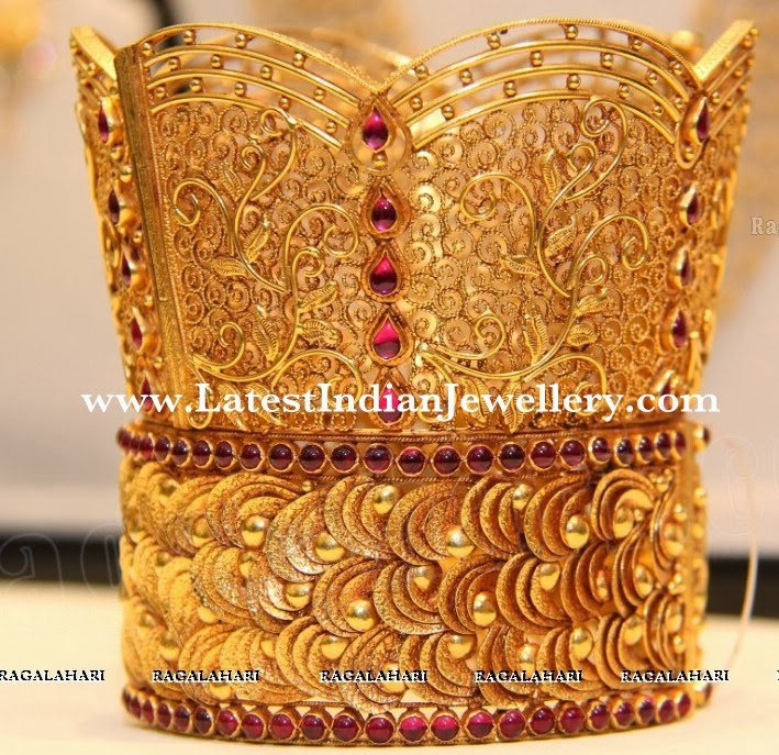 gold chur broad bangle