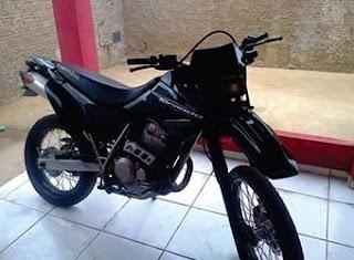 Jovem tem moto roubada na noite desta sexta-feira na cidade de Nova Floresta