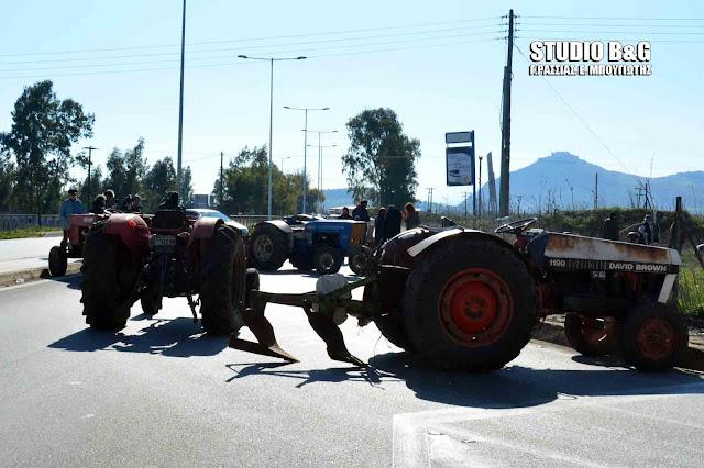 """Και οι Πελοποννήσιοι αγρότες στον """"χορό """" των μπλόκων (βίντεο)"""