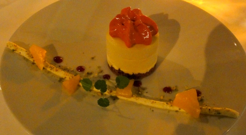 La vilette restaurant Rotterdam dessert passion fruit parfait orange cream raspberry foam