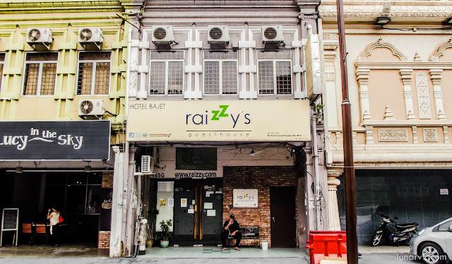 Raizzy's Guest House dan Dormitory Roomnya Yang Budget Friendly