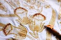 Batik Tulis sebagai penjelasan dari pengertian seni kriya
