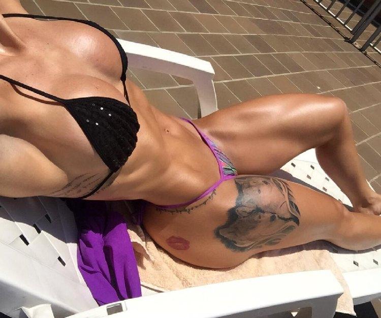 Angelica Hernandez abs