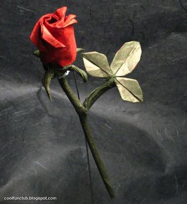 Rosa con papiroflexia