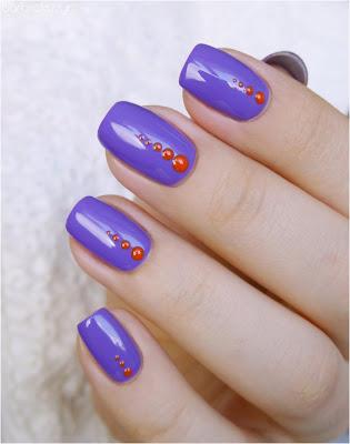 Pomarańczowe kropki