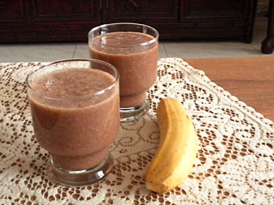 MUSCLE BUILDING: BANANA OAT CHOCOLATE SMOOTHIE