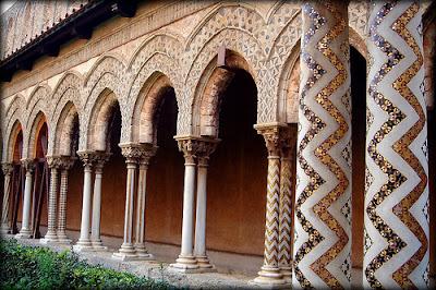 fatada-cu-mozaic-islamic-trapani-sicilia