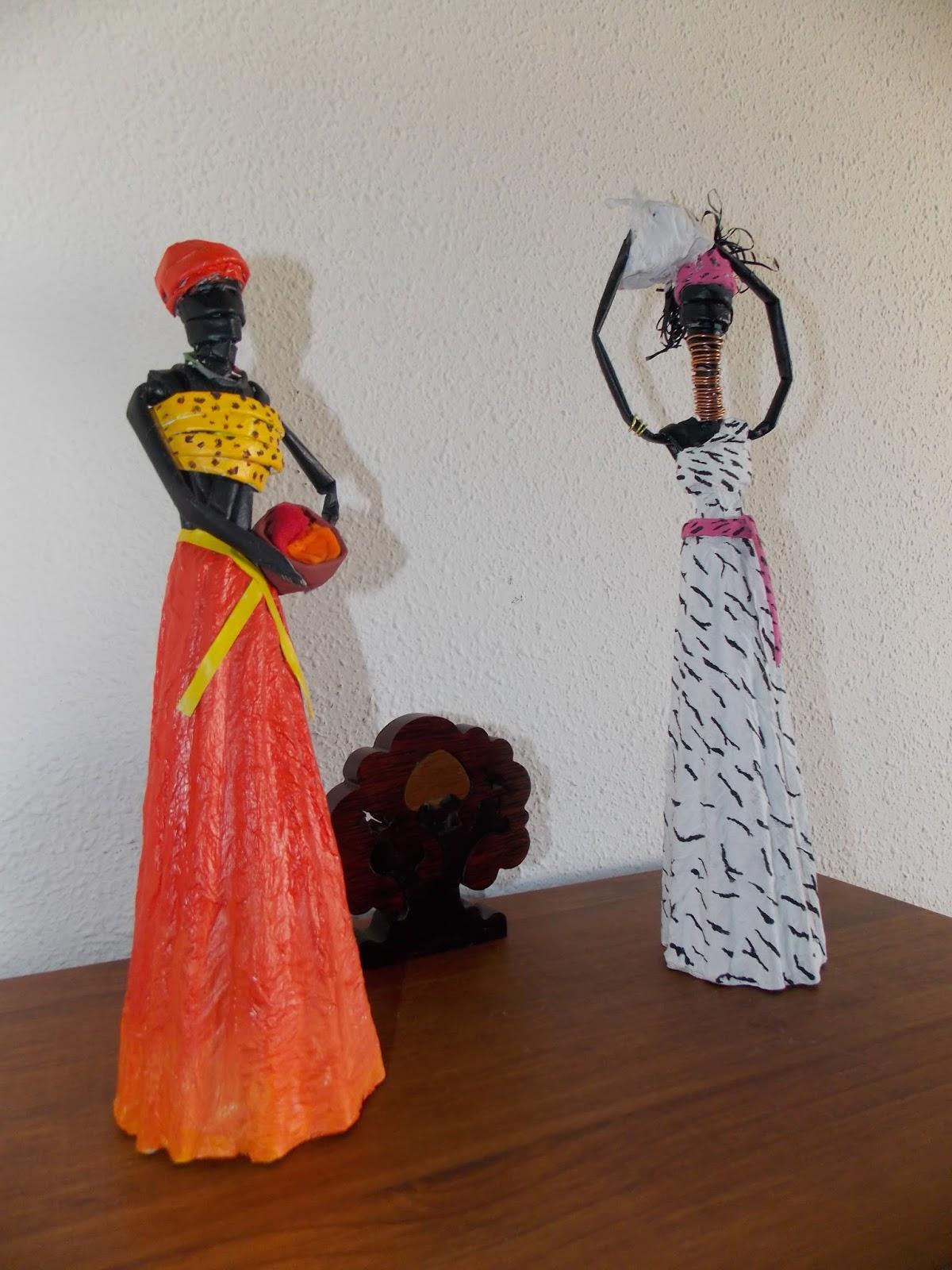 Africanas de papel de periódico