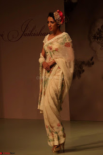 Pallavi Jaikishan Celete 45year In Industry witha beautiful Fashion Show 21.JPG