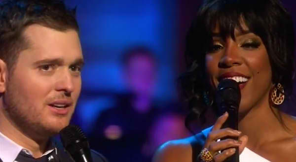 Michael Buble White Christmas.Raw Hollywood Video Michael Buble Kelly Rowland Perform