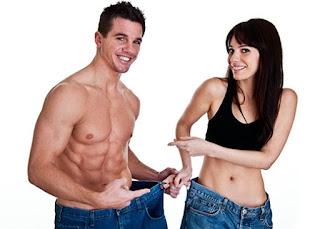 Pareja fitness que ha perdido peso
