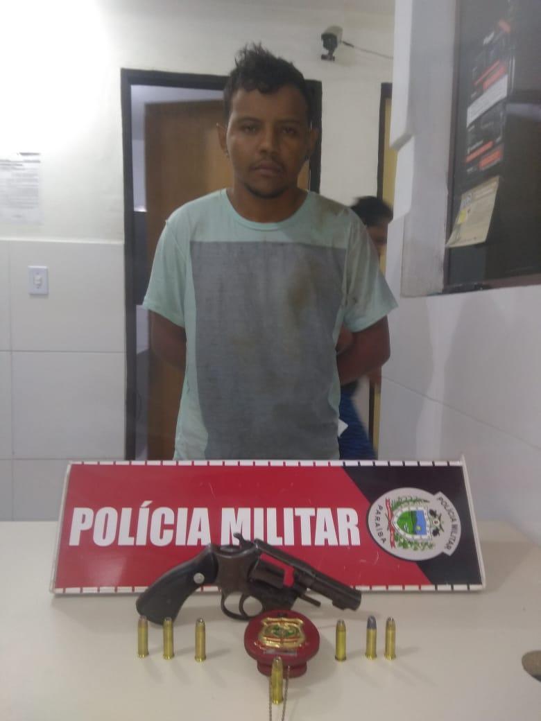 INTEGRAÇÃO: POLICIAIS MILITARES DO 6º BPM E POLICIAIS CIVIS DO CEARÁ PRENDEM MATADOR DE ALUGUEL EM CAJAZEIRAS