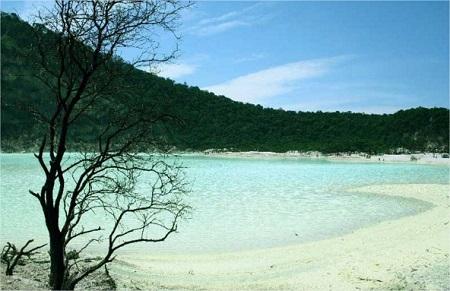 Wisata Alam Kawah Putih Ciwidey