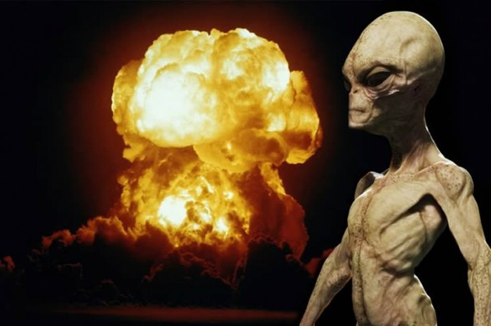 Según Edgard Mitchell, extraterrestres ayudaron a evitar una Guerra Nuclear.