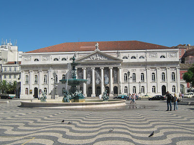 """Rossio 2 - Jul 2009"" by Pedro Ribeiro - Flickr: Rossio 2. Licensed under CC BY 2.0 via Wikimedia Commons - https://commons.wikimedia.org/wiki/File:Rossio_2_-_Jul_2009.jpg#/media/File:Rossio_2_-_Jul_2009.jpg"