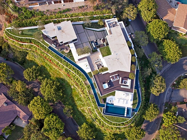 Roof of the Perfect modern mansion in Beverly Hills