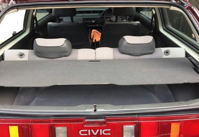 Honda Civic 3rd Generation Hatchback Trunk Space